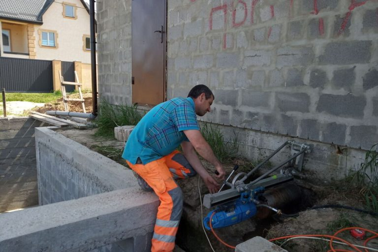 Профессиональная алмазная резка бетонных конструкций: как может изменяться цена в Киеве?